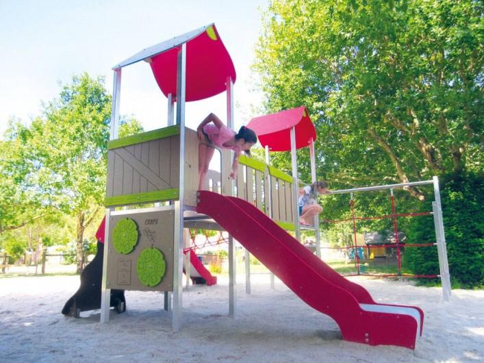 Location de vacances - Bungalow - Mobilhome à Grayan-et-l'Hôpital - Aire de jeux