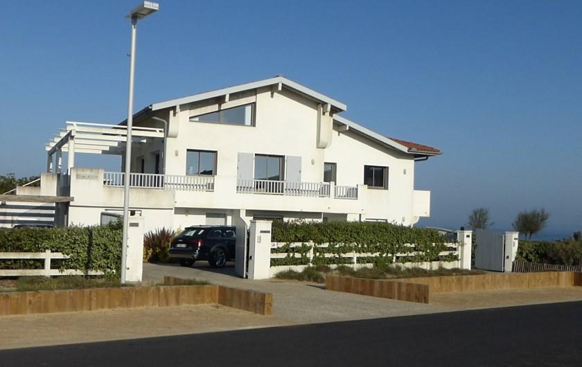 Location de vacances - Appartement à Soorts-Hossegor - façade Est; vue depuis le boulevard  de la Dune