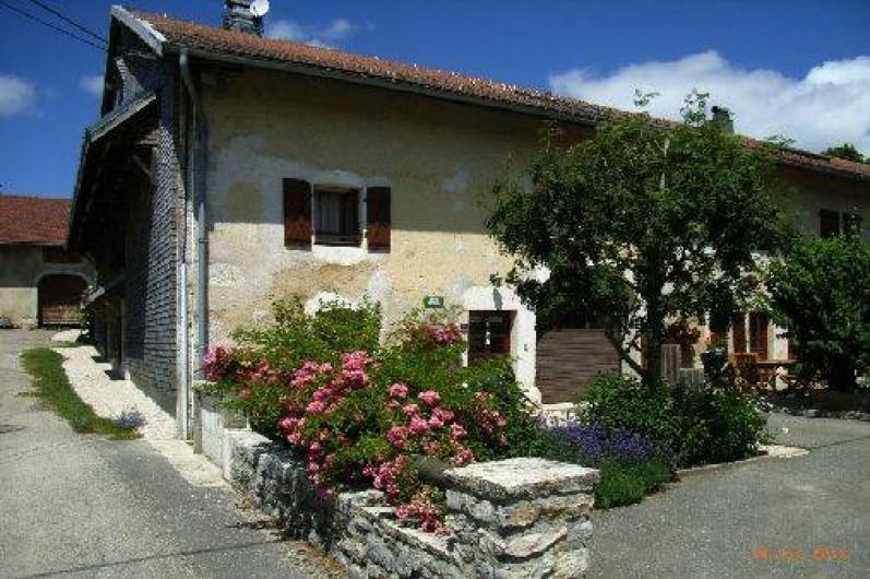 Location de vacances - Gîte à Saint-Pierre - Le gîte en été, terrasse