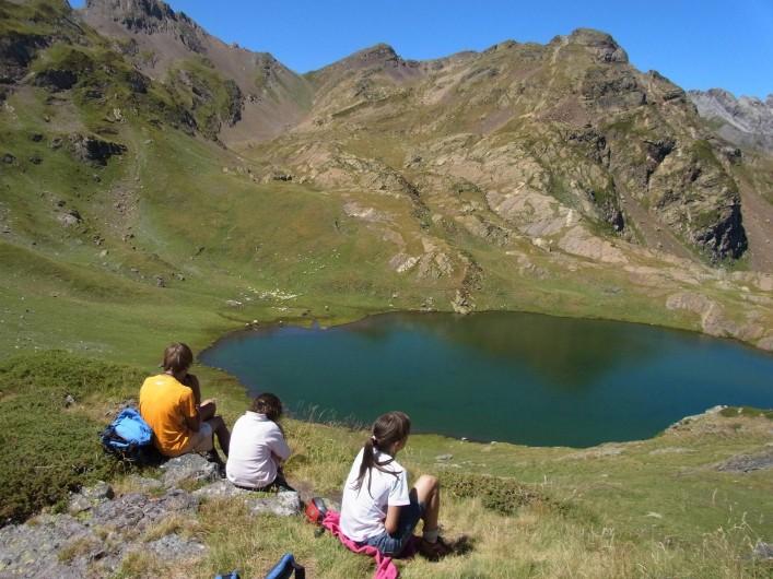 Location de vacances - Gîte à Arrens-Marsous - Une balade en lac de montagne