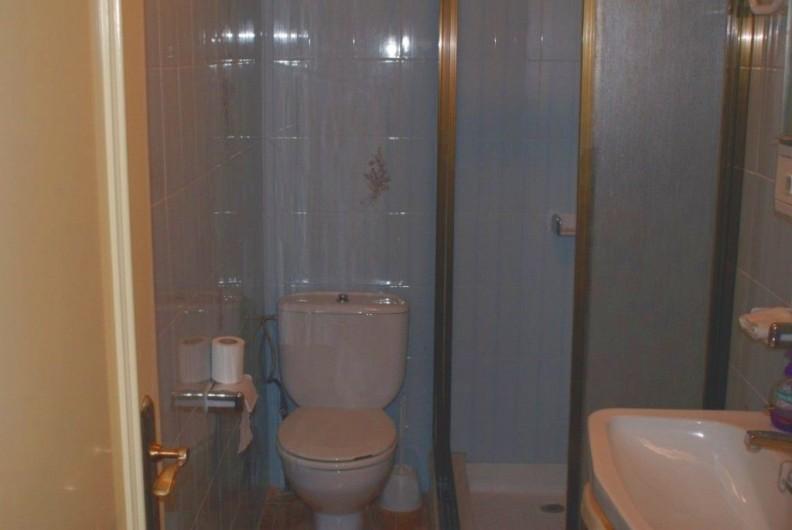 Location de vacances - Villa à Cambrils - douche-toilette-lavabo  appt 1