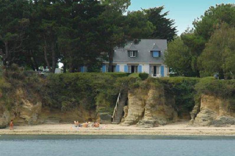 maison pied dans l eau bretagne ventana