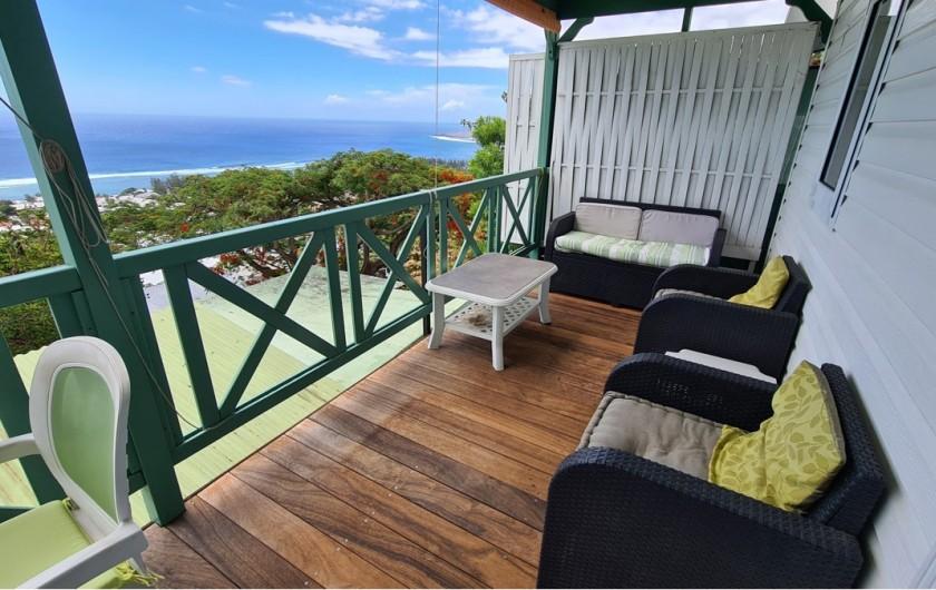 Location de vacances - Chalet à Saint-Leu - veranda vue sur ocean et st leu