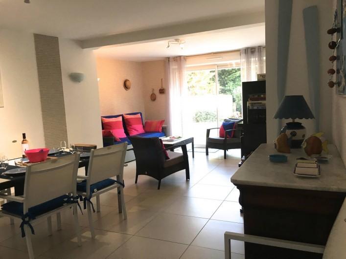 Location de vacances - Appartement à Sanary-sur-Mer - CAP SUD - Un lieu de vie où l'on prend plaisir à séjourner