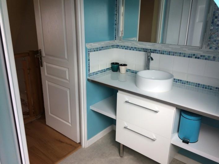 Location de vacances - Gîte à Bosville - salle d'eau 1e étage