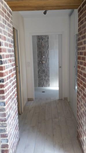 Location de vacances - Gîte à Bosville - accès salle d'eau et chambre rez de chaussée