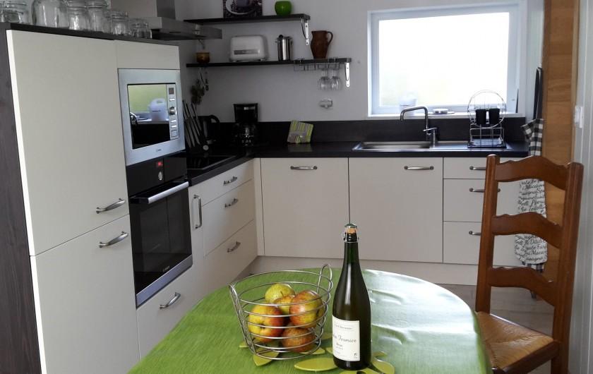 Location de vacances - Gîte à Bosville - cuisine entièrement équipée (four, micro-onde, réfrigérateur, LV, LL, ...)