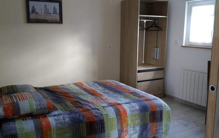 Location de vacances - Gîte à Bosville - chambre RdC lit 140
