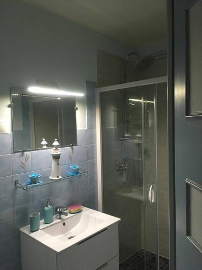 Location de vacances - Gîte à Angé - Salle de bain plus WC indépendant