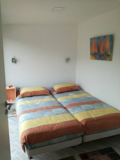 Location de vacances - Appartement à Le Lavandou - Chambre terrasse