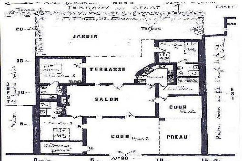 Location de vacances - Maison - Villa à Saint-Clément-des-Baleines - plan de la maison en forme de H  (photo déformée, façade 15m coté 22m)