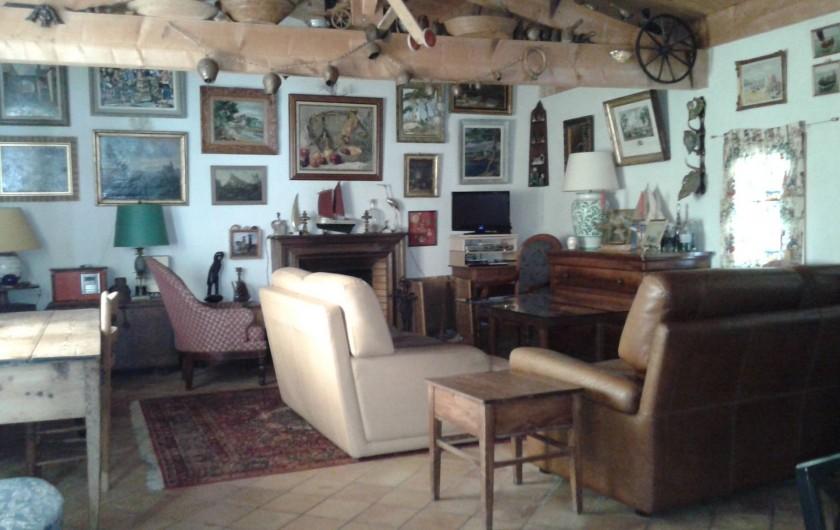 Location de vacances - Maison - Villa à Saint-Clément-des-Baleines - salon côté cheminée
