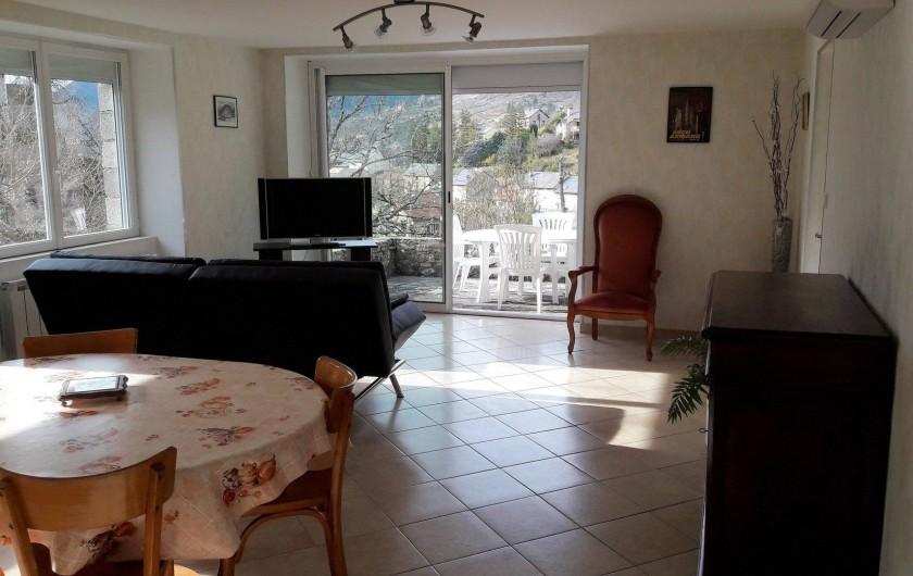 Location de vacances - Gîte à Peyreleau - Vue appartement séjour- salon
