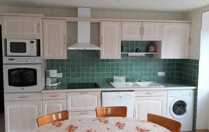 Location de vacances - Gîte à Peyreleau - Vue appartement cuisine