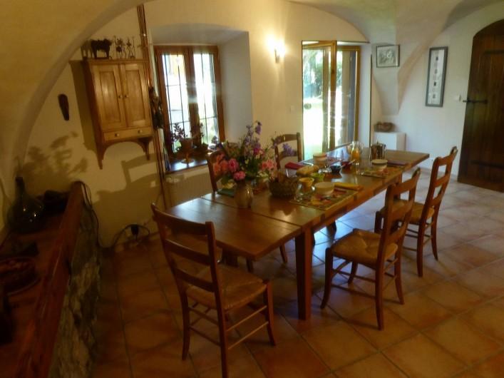 Location de vacances - Chambre d'hôtes à Oris-en-Rattier - la table du petit-déjeuner