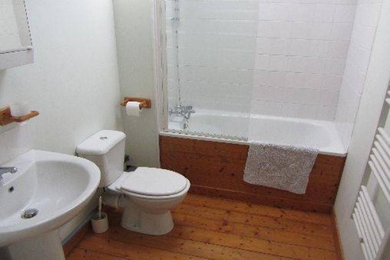 Location de vacances - Gîte à Saint-Crepin - Salle de bains