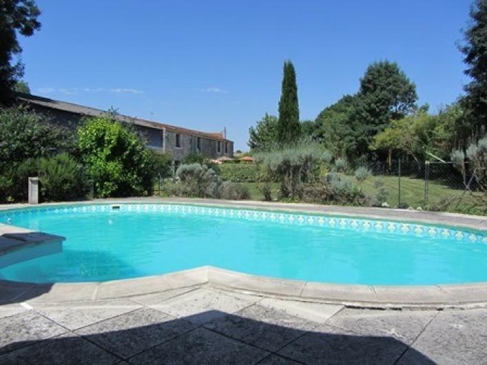 Location de vacances - Gîte à Saint-Crepin - Piscine