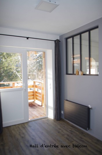 Location de vacances - Appartement à Villard-de-Lans - hall d'entrée avec balcon