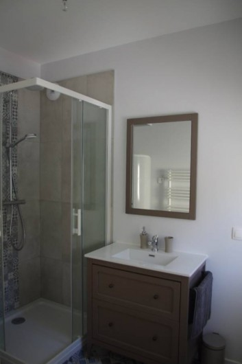 Location de vacances - Appartement à Villard-de-Lans - salle de douche attenante à la chambre 1