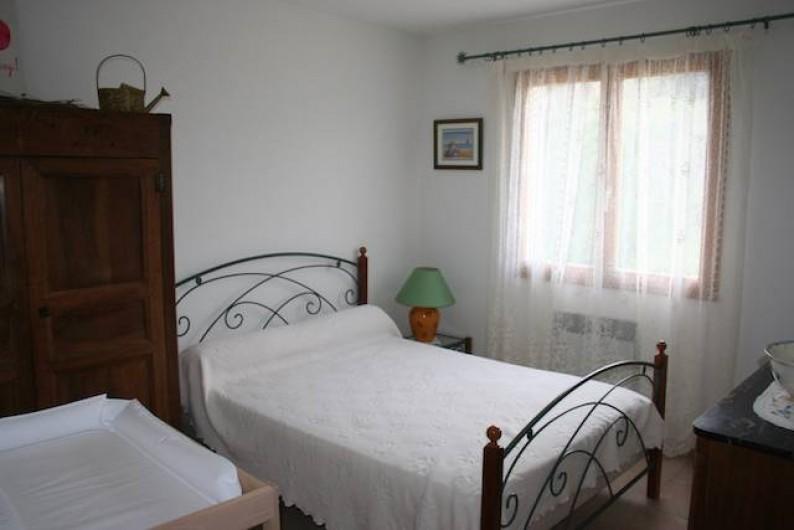 Location de vacances - Villa à Saint-Martin-sur-Lavezon - Chambre 2