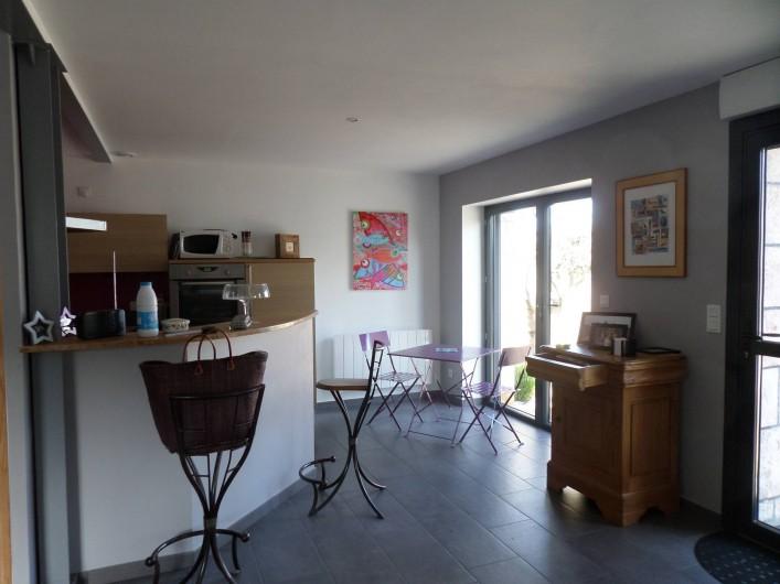 Location de vacances - Maison - Villa à Erquy - Pièce principale, baie accès terrasse
