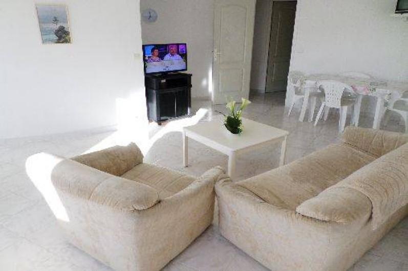 Location de vacances - Appartement à Vaison-la-Romaine - Coin salon/télé