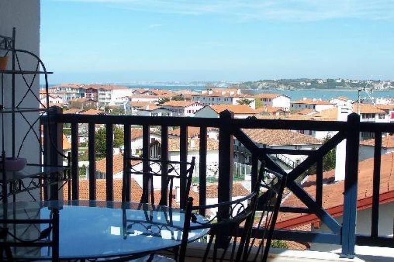 Location de vacances - Maison - Villa à Urrugne - Vue de la terrasse du rez de chaussée
