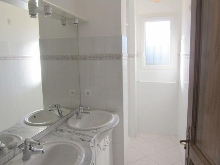 Location de vacances - Villa à Mormoiron - Salle de douche