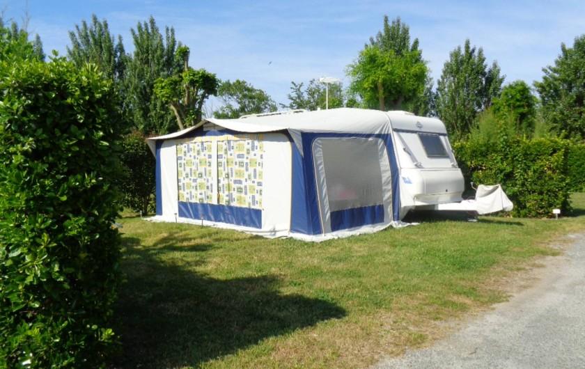 Location de vacances - Camping à Aytré - emplacement tente, camping car ou caravane
