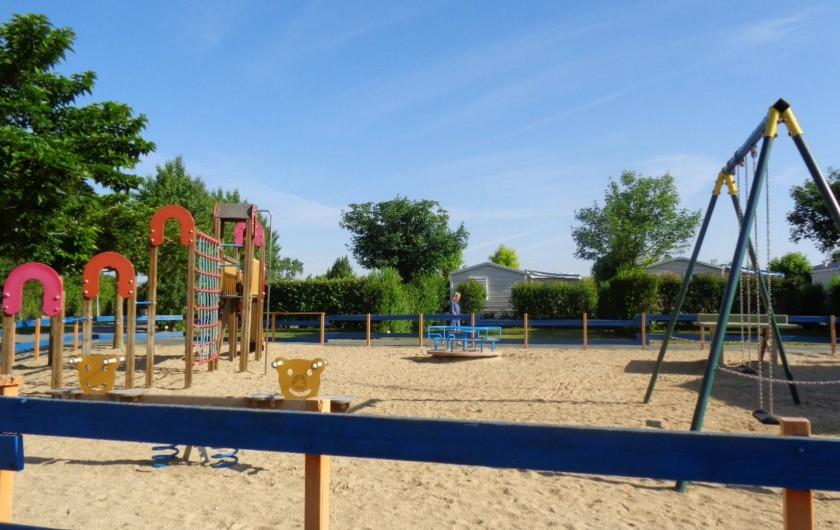 Location de vacances - Camping à Aytré - aire de jeux