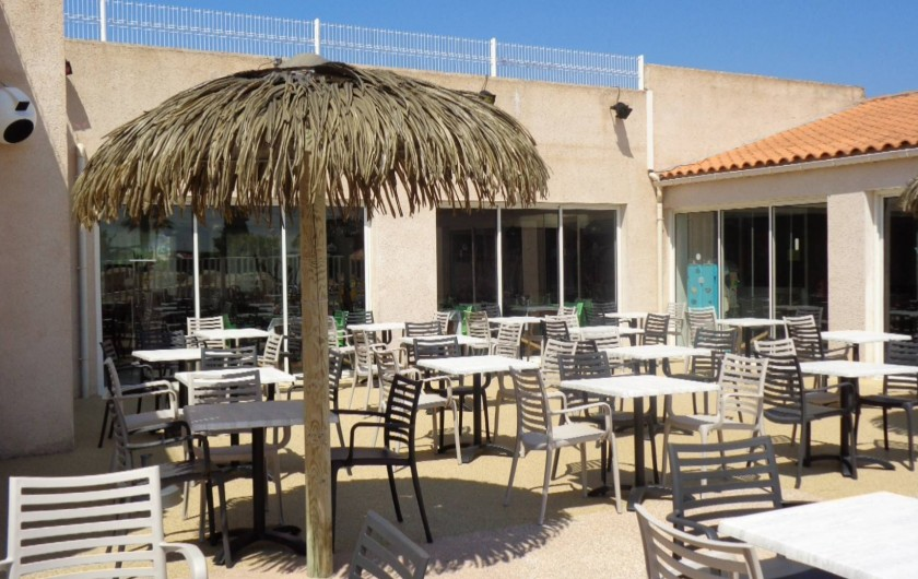 Location de vacances - Camping à Aytré - terrasse du restaurant