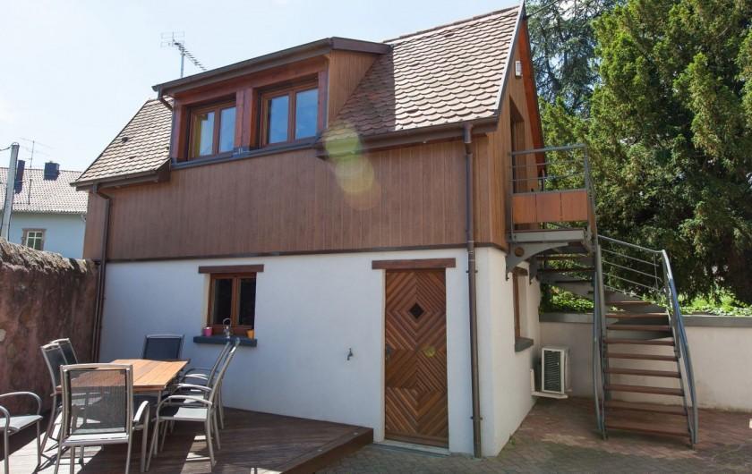 Location de vacances - Gîte à Turckheim - le gîte et la terrasse