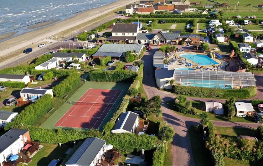Location de vacances - Bungalow - Mobilhome à Ravenoville Plage - Vue aérienne du camping.