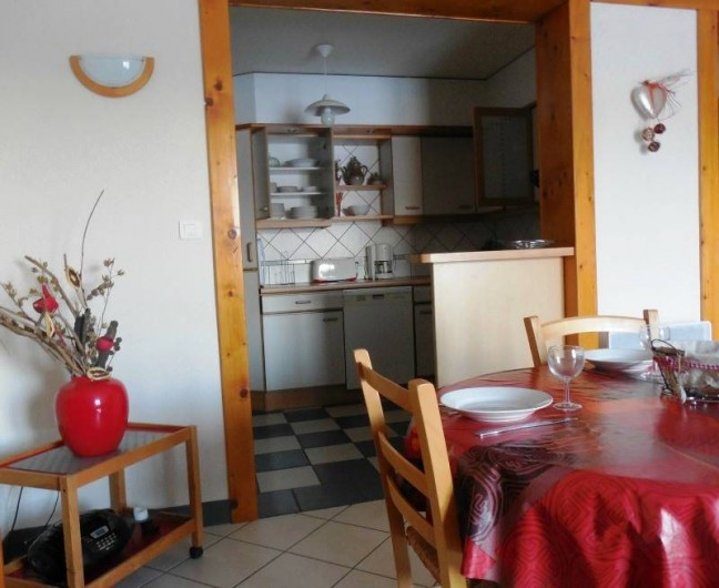 Location de vacances - Appartement à Lajoux - Coin repas