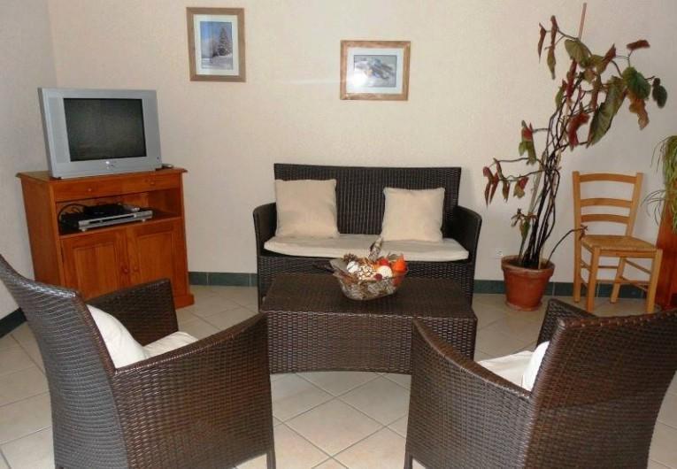 Location de vacances - Appartement à Lajoux - coin salon