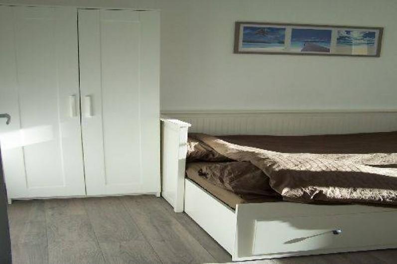 Location de vacances - Appartement à Cannes - Chambre 2 : lit déplié en 160x200