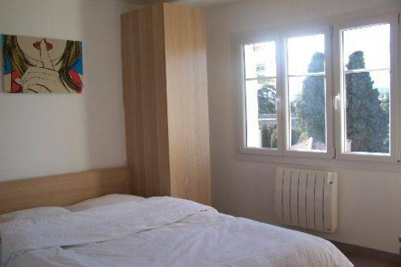 Location de vacances - Appartement à Cannes - Chambre 1 : lit 140x200