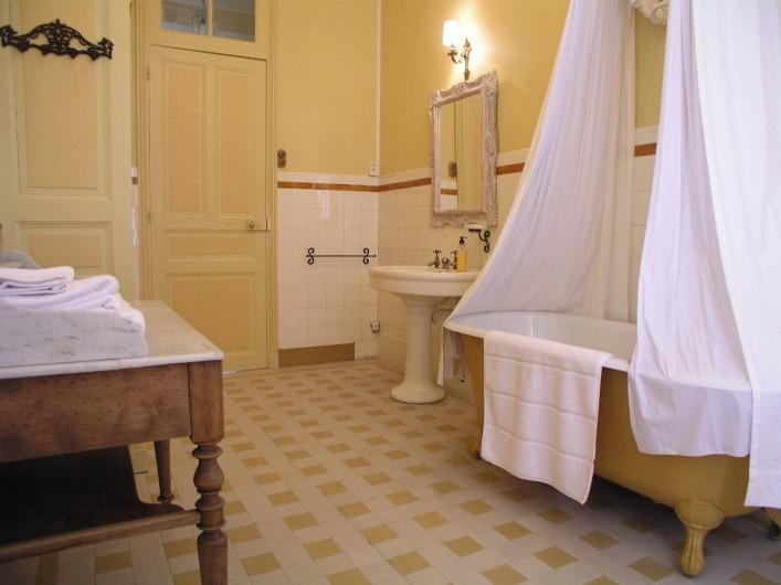 Location de vacances - Chambre d'hôtes à Bessines-sur-Gartempe - Bathroom chambre D'or