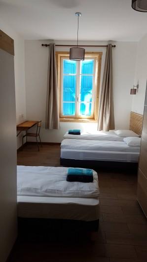Location de vacances - Maison - Villa à Le Bourg-d'Oisans - Chambre pour 3 personnes avec ensuite
