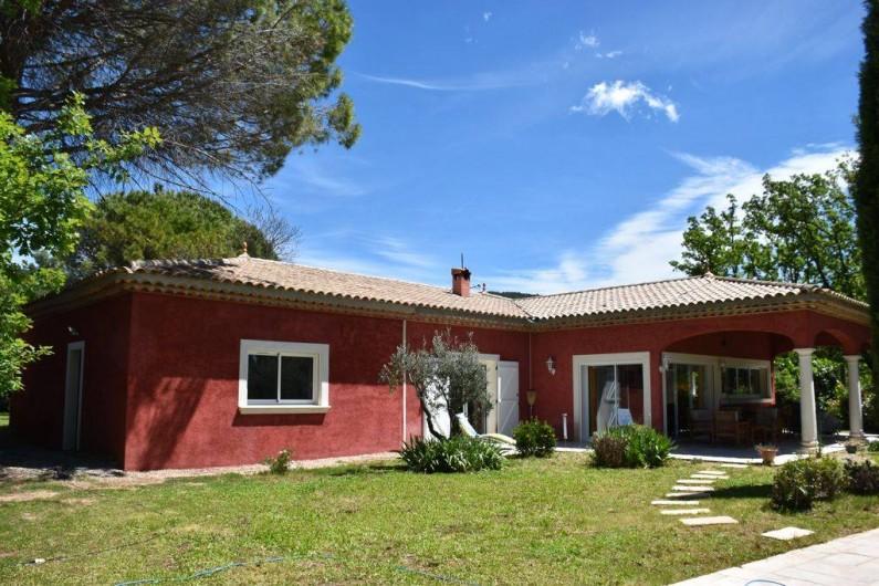 Location de vacances - Villa à Bargemon - Villa sur terrain plat de 3 045 m², arboré et entièrement clôturé