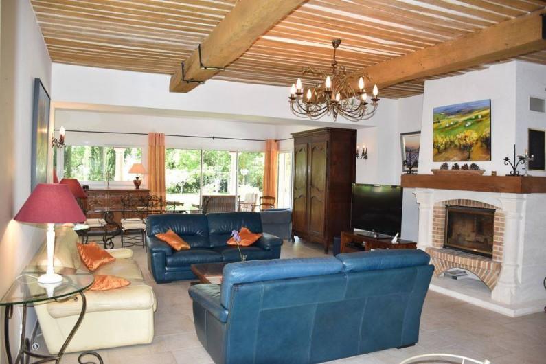 Location de vacances - Villa à Bargemon - Salon/Salle à manger/Cuisine américaine 75 m².