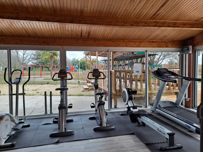 Location de vacances - Camping à Parcoul-Chenaud - Espace sport