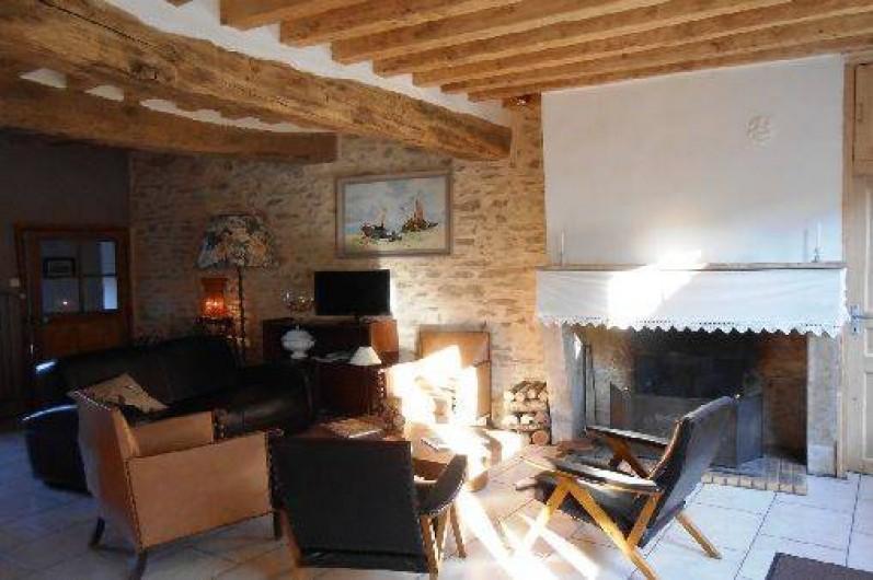 Location de vacances - Gîte à Courcelles - Salon et cheminée