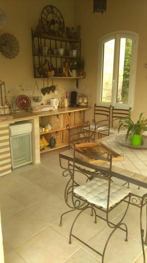 Location de vacances - Villa à Beaucaire - CUISINE D'ETE
