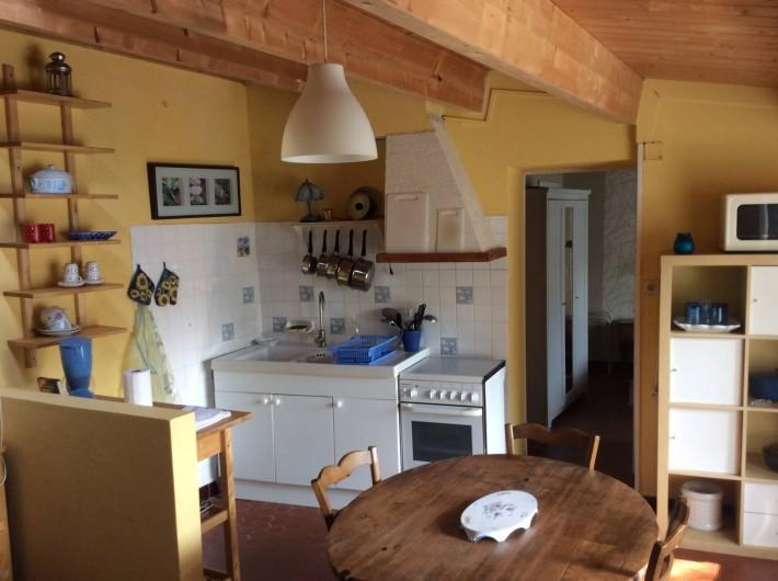 Location de vacances - Maison - Villa à Saint-Pierre-d'Oléron - Petite maison: Espace cuisine/ salle à manger