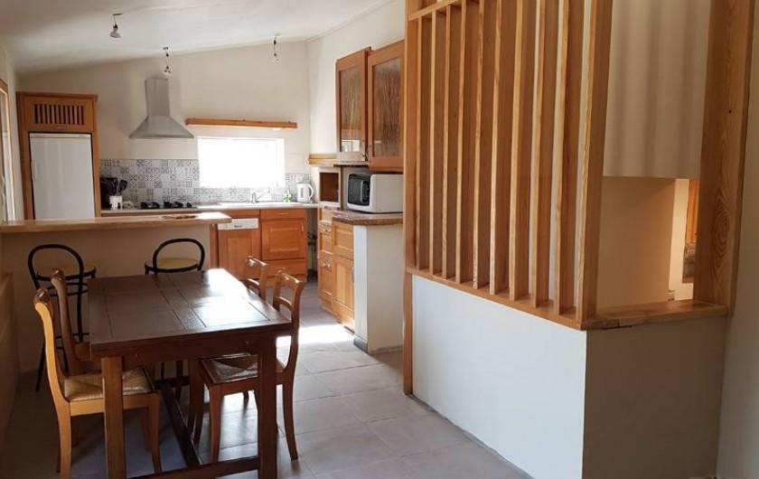 Location de vacances - Chambre d'hôtes à Sauveterre-de-Rouergue - Gîte - séjour et coin cuisine