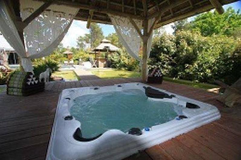 La varangue chambre d 39 h te piscine et spa lacanau en - Chambre d hote couleur bois et spa ...