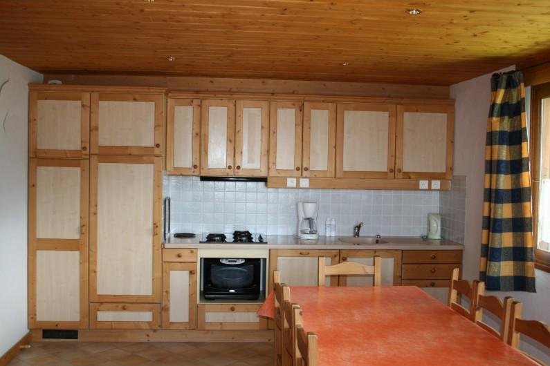 Location de vacances - Appartement à Peisey-Nancroix - Coin Cuisine.