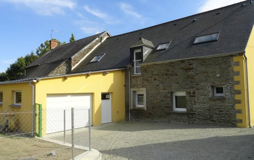 Location de vacances - Maison - Villa à Vessey - garage avec porte sectionnelle
