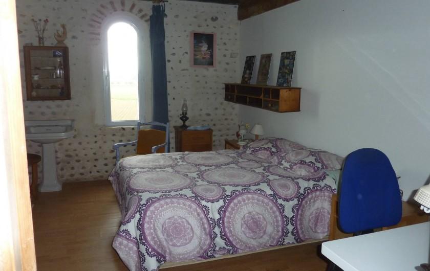 Location de vacances - Chambre d'hôtes à Aubin - Chambre N°3 ( avec salle de douche commune)